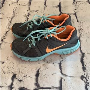 Nike size 6.5 woman's athletic shoes